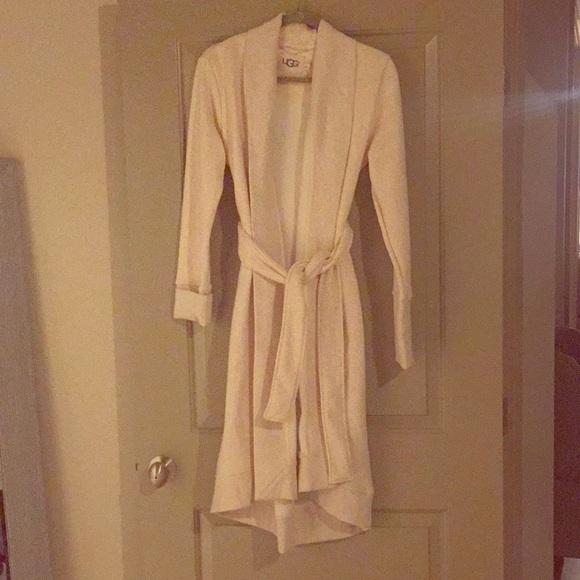 New Ugg Robe. M 5bbabde45c445242573f41c4 5d001d65f
